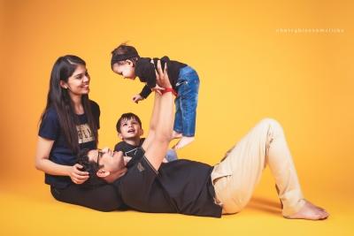 DAKSHI & FAMILY