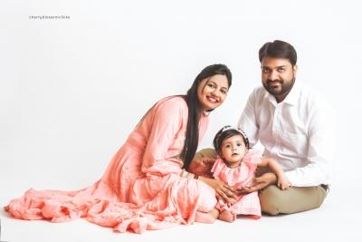 YUNHI & FAMILY