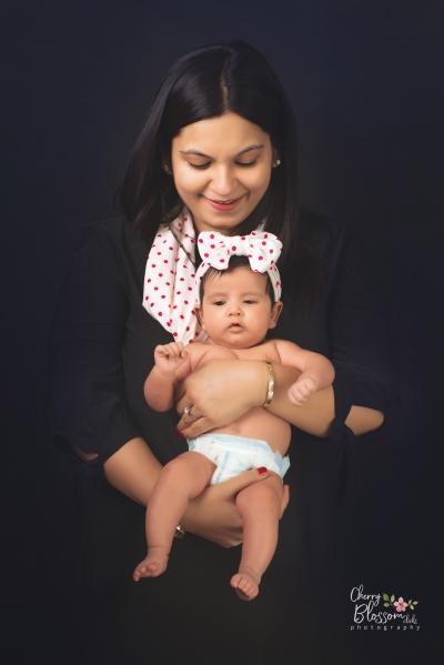AVIKA & MOM